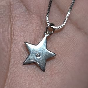 Vintage Jewelry - Sterling Silver Star Pendant Necklace Choker